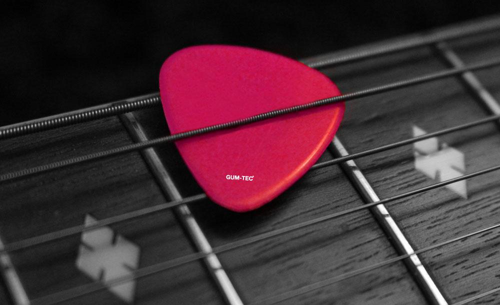 Guitar-Pic_Web